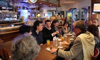 Un café convivial à Carnot avec les riverains