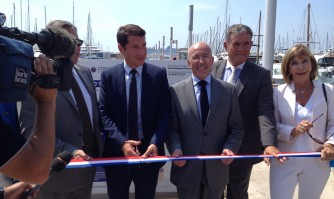 David Lisnard inaugure le nouveau plan d'eau du Vieux Port