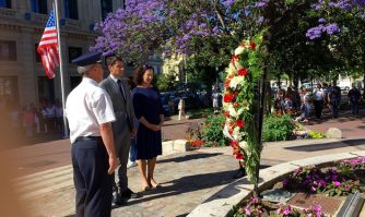 David Lisnard appelle au soutien aux forces de l'ordre et rend hommage aux victimes des attentats