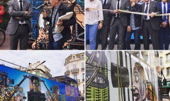 Quatre bus à impériale décorés par Robert Combas !