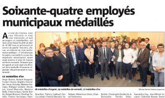 Soixante-quatre employés municipaux médaillés