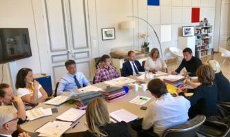 En réunion de travail sur le Plan Pluriannuel d'Investissement (PPI)