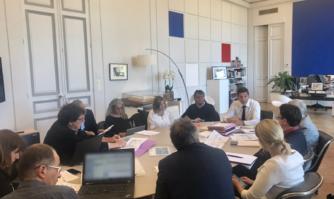 Réunion de travail sur la création d'une nouvelle gare SNCF TVG / TER à Cannes la Bocca