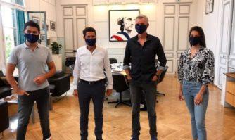 Télévision : l'équipe de Ninja Warrior reçue en mairie