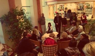 David Lisnard rencontre et échange avec les Cannois dans le quartier de la place des Orangers