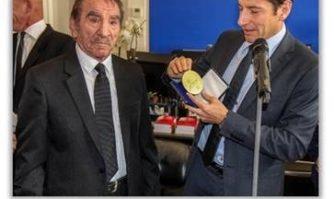 David Lisnard salue la mémoire de Michel Gérardi, illustre barbier du Suquet