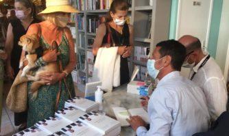 """Dédicaces : David Lisnard et Christophe Tardieu signent leur ouvrage """"La culture nous sauvera"""" aux Cannois"""